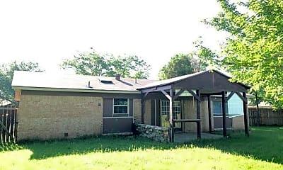 Building, 212 Ridgeway Cir, 1