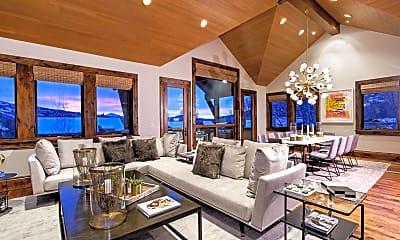 Living Room, 537 Race St, 0