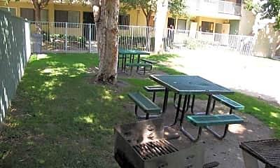 Aventine Court Apartments, 2