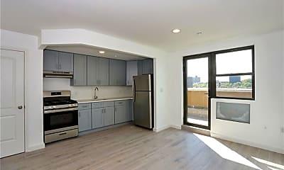 Kitchen, 979 Summit Ave 7J, 1