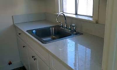 Kitchen, 1139 E 68th St, 1