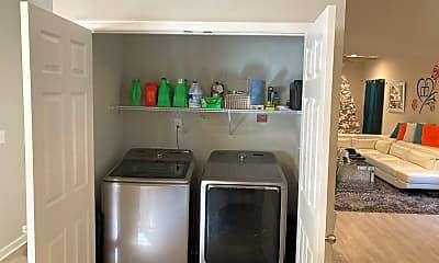 Kitchen, 833 Lindenwood Ave, 2