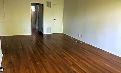 Living Room, 855 S Windsor Blvd, 0