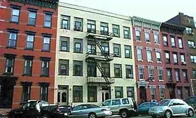 Building, 1027 Washington St 3R, 2