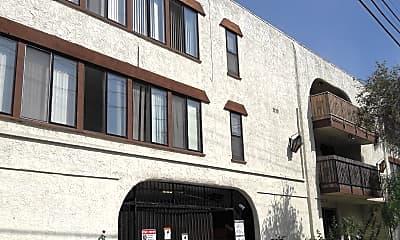 El Caballero Apartments, 2