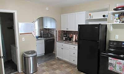 Kitchen, 404 6th St SE, 1