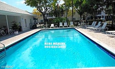 Pool, 6245 Bay Club Dr, 2