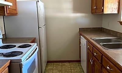 Kitchen, 4551 E Zora St, 2