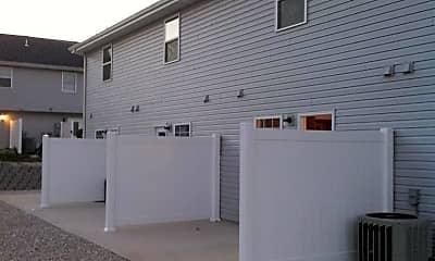 Building, 24444 Sounder Ln C, 2