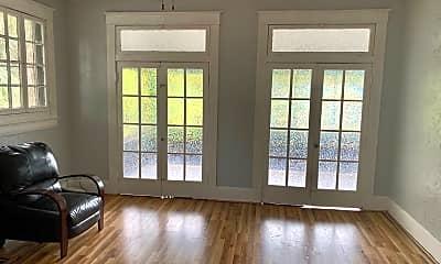 Living Room, 608 S Newport Ave, 1