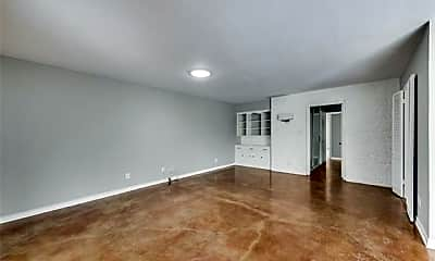 Living Room, 3709 Northwest Pkwy, 1
