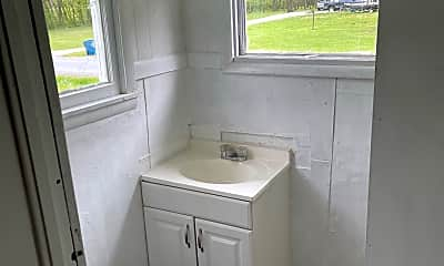 Bathroom, 906 S State St, 2