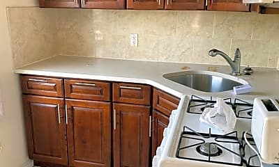 Kitchen, 210 B 32nd St, 2