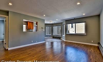 Living Room, 2396 Pine St, 0
