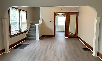 Living Room, 121 Willowwood Dr, 1
