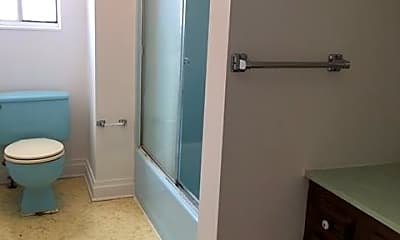 Bathroom, 215 Roane St, 2