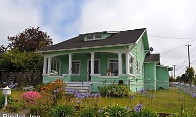 Building, 135 W Grant St, 0