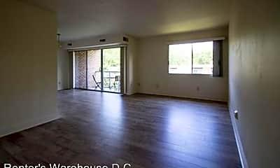 Living Room, 2910 Kings Chapel Rd, 1