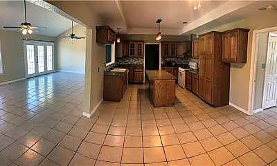 Kitchen, 226 Glenmore St, 2