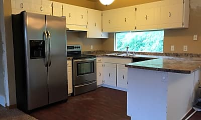 Kitchen, 105 Duesenberg Dr, 1