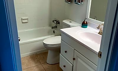 Bathroom, 456 Brentwood Dr, 2