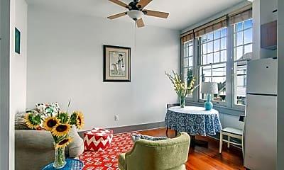 Living Room, 4705 Freret St, 1