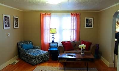 Living Room, 110 Trowbridge St NE, 2