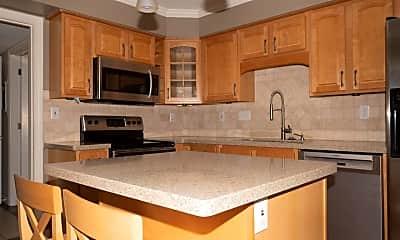 Kitchen, 5 Stratford Hall Pl NE, 2