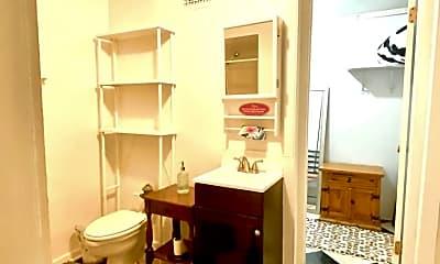 Bathroom, 580 E Town St, 2