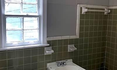 Bathroom, 620 10th Ave W, 2