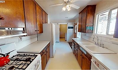 Kitchen, 2825 University St, 2