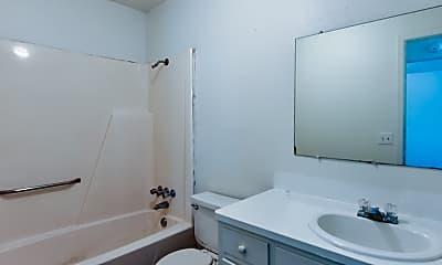 Bathroom, 804 W Hastings Ave, 2
