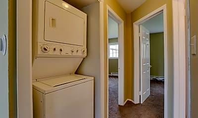 Bathroom, 14423 Pennsylvania Rd, 2