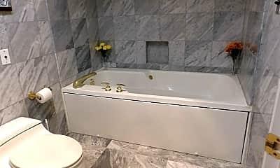 Bathroom, 3801 Canterbury Rd, 2