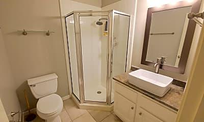 Bathroom, 2914 Jackson St, 2