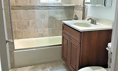 Bathroom, 145-147 Summit Avenue, 2