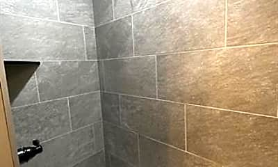 Bathroom, 920 E Clinton St, 2
