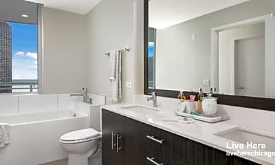 Bathroom, 467 N Park Dr, 1