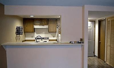 Kitchen, 9715 Independence Dr, 1