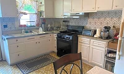Patio / Deck, 139 Pelham Rd 1, 2
