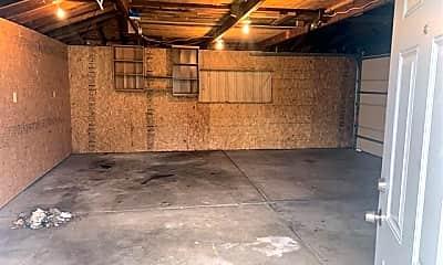 Living Room, 15504 Evergreen Ave, 2