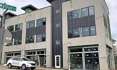 Building, 1301 S Walnut St, 1