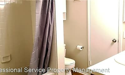 Bathroom, 736 W Collins St, 2
