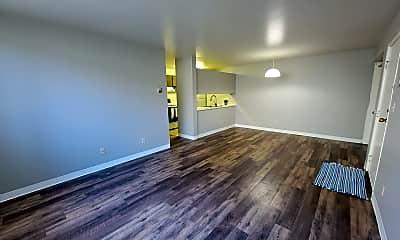 Living Room, 1606 8th St N, 1