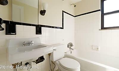 Bathroom, 29 Cedar Blvd, 2