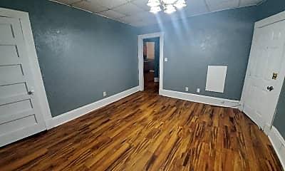 Living Room, 403 Locust St, 2