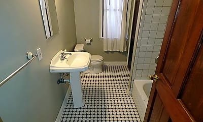Bathroom, 430 W Grand Blvd, 2
