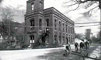 Building, 300 Ferdon Ave 4, 0