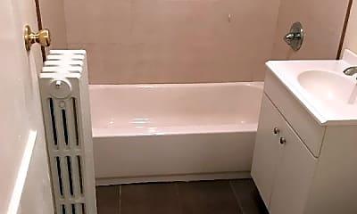 Bathroom, 99 Huntington St, 2