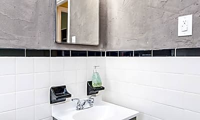 Bathroom, 1585 Alexandria Dr, 2